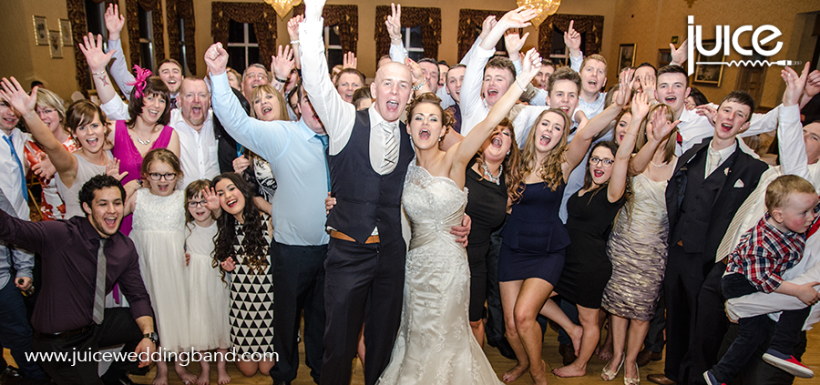 Juice Wedding Band Northern ireland | pic of Wendy, Stephen and their guests