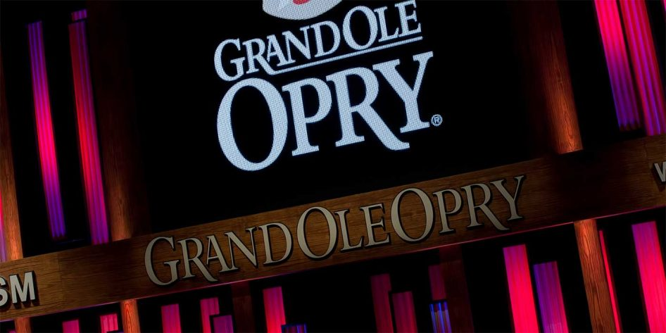 Photo of the Grand Ole Opry sign in Nashville