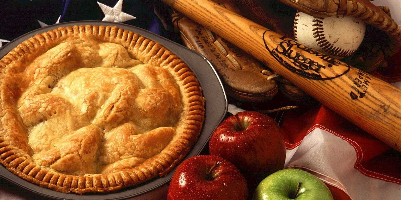 Photo of an American apple pie