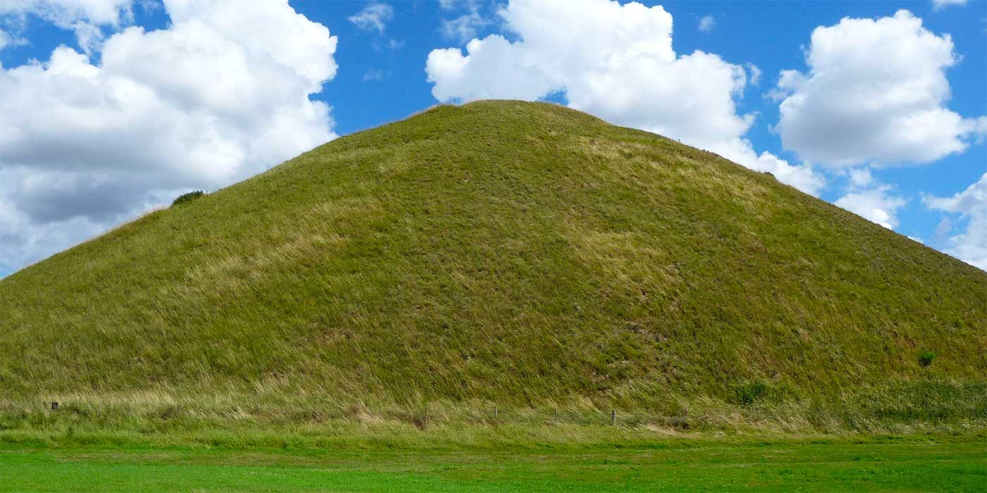 Photo of a grassy hill
