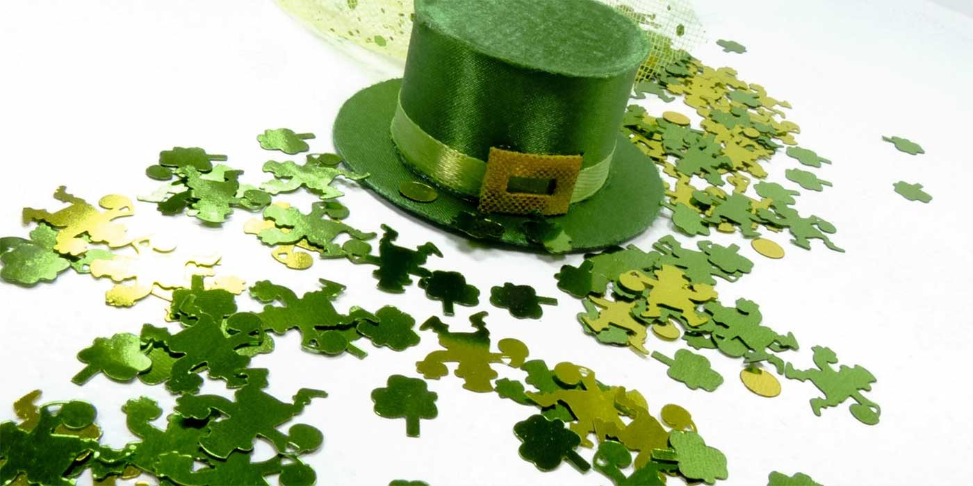 Photo of shamrocks and a leprechaun's hat