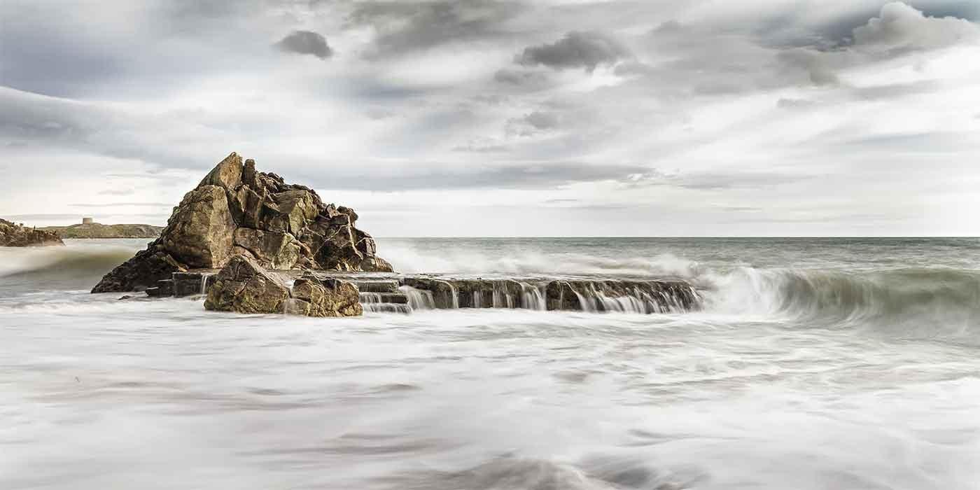 Photo of rough sea on the coast