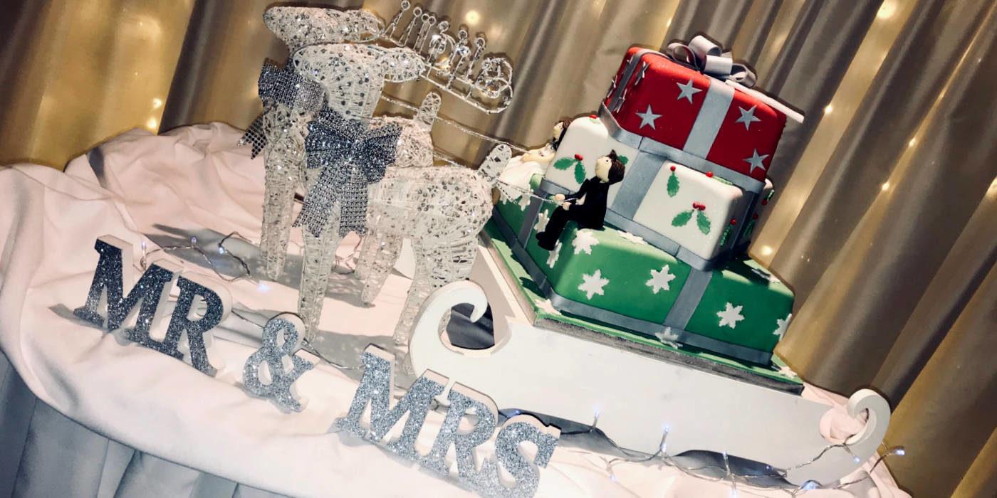 Photo of a Christmas wedding cake